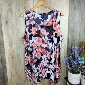 Adele & May Woman Floral Sleeveless Blouse 2X